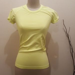 Sketchers Workout Top Stretch Blouse .